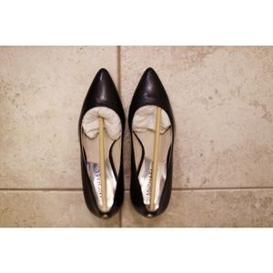 Michael Kors Shoes - Michael Kors classy pump